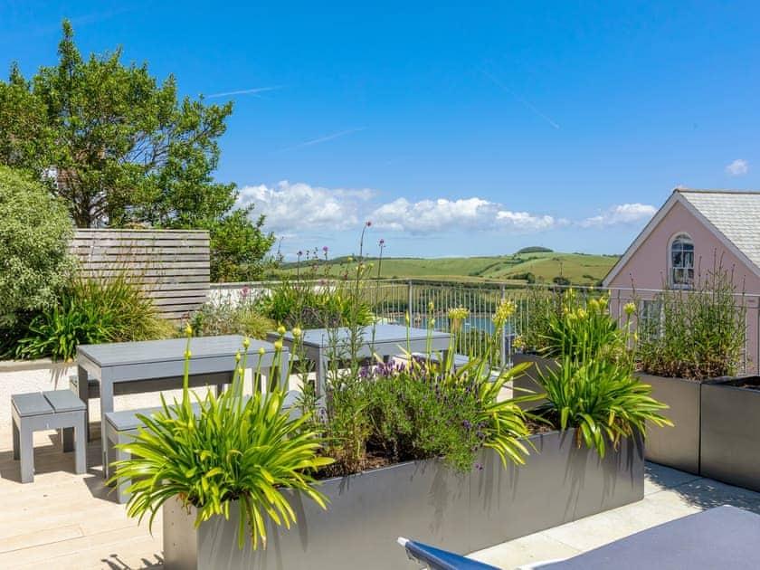Delightful garden area | Lealholme, Salcombe