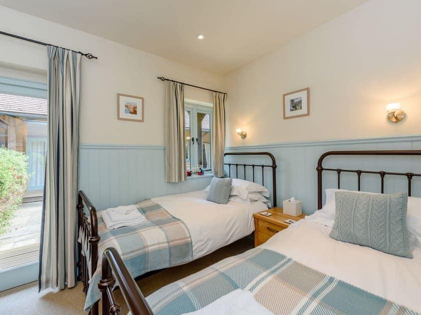 Twin bedroom   Castlemans Stables West - Castleman's Stables, Sedlescombe, near Battle