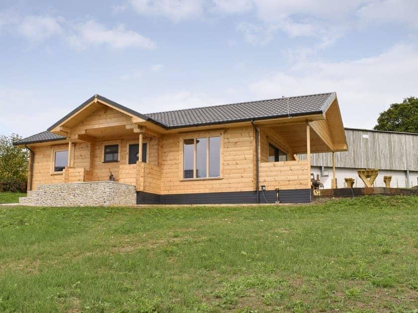 Buckland Farm Log Cabins - Foxglove