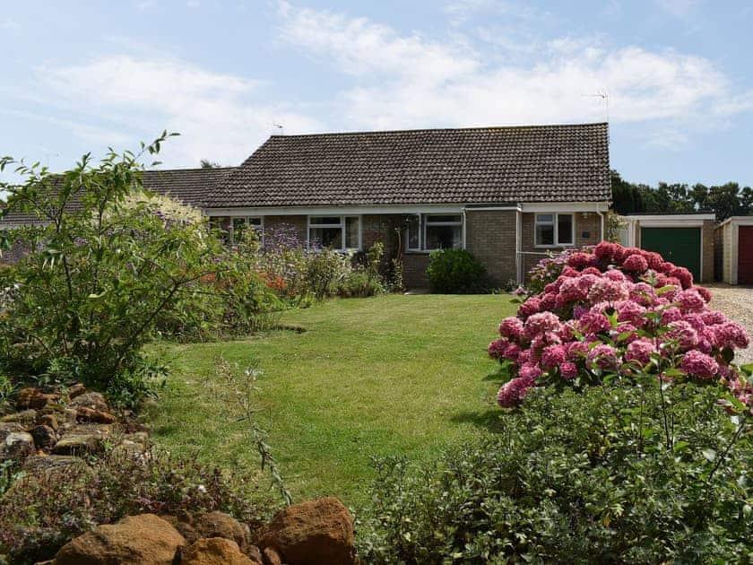 Delightful holiday bungalow close to the Norfolk coast | Eden, Heacham, near Hunstanton