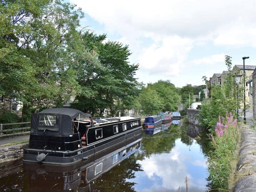 The Leeds Liverpool canal, Skipton | Gargrave ne