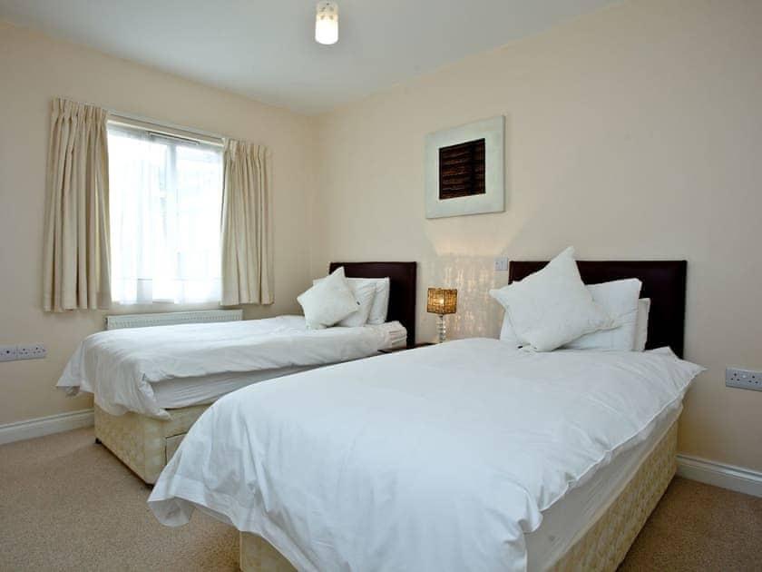 Twin bedroom with en-suite   Sea Front House 6 - Golden Bay Holiday Village, Westward Ho!
