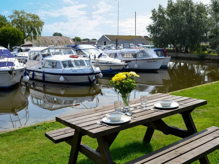 Houseboats - Ardea