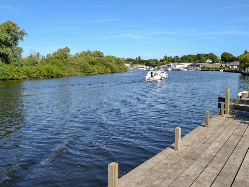 River running alongside the property | Silver Bream, Brundall, near Norwich
