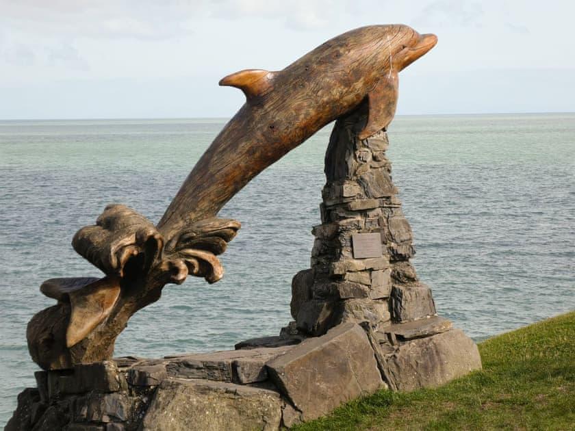 Dolphin statue at Aberporth   Y Bwthyn, Talgarreg, near New Quay