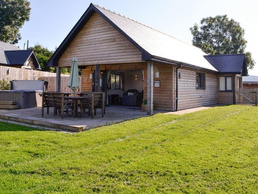 Cae Llwyn - Nant Ddu Lodge