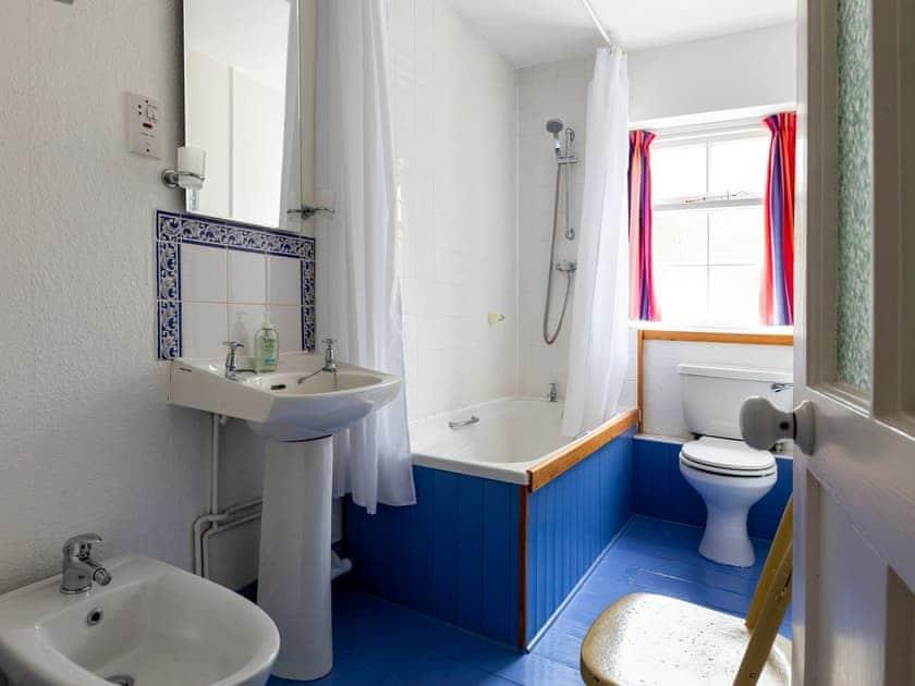 Bathroom | Windward House, Salcombe