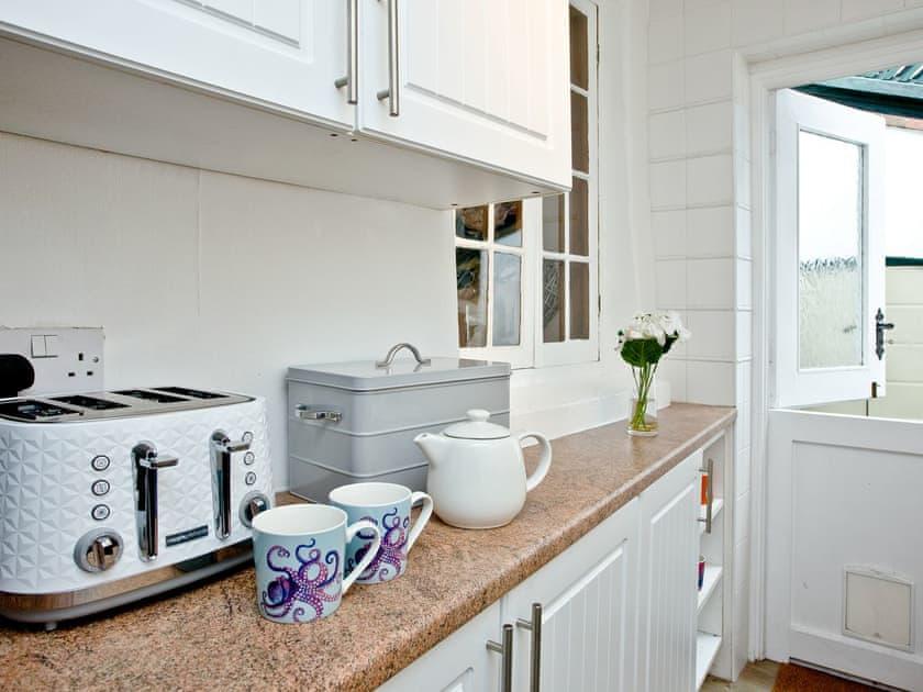 Kitchen | Daisy Cottage, Shaldon