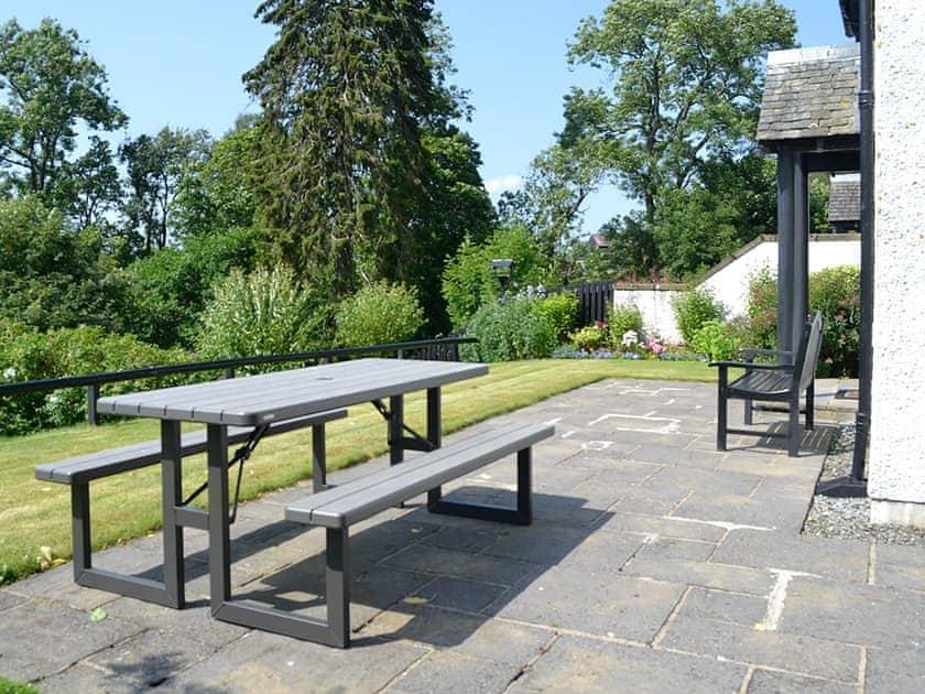 Outdoor eating area   Thistledown - Cally Farm Cottages, Ballintuim, near Blairgowrie