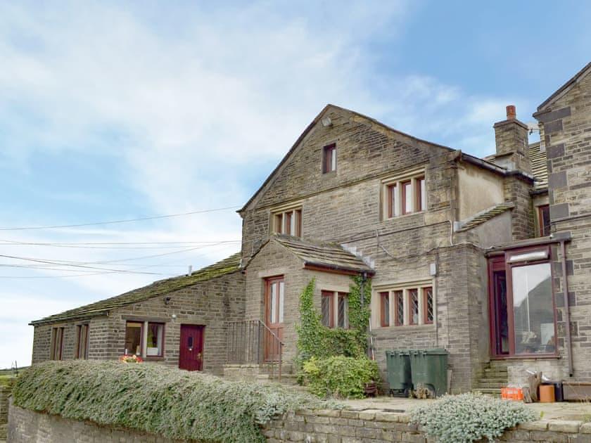 Law Farm Cottages - Rose Cottage