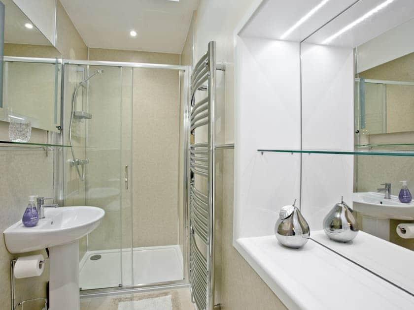 Shower room | Thurlestone Heights, Dartmouth