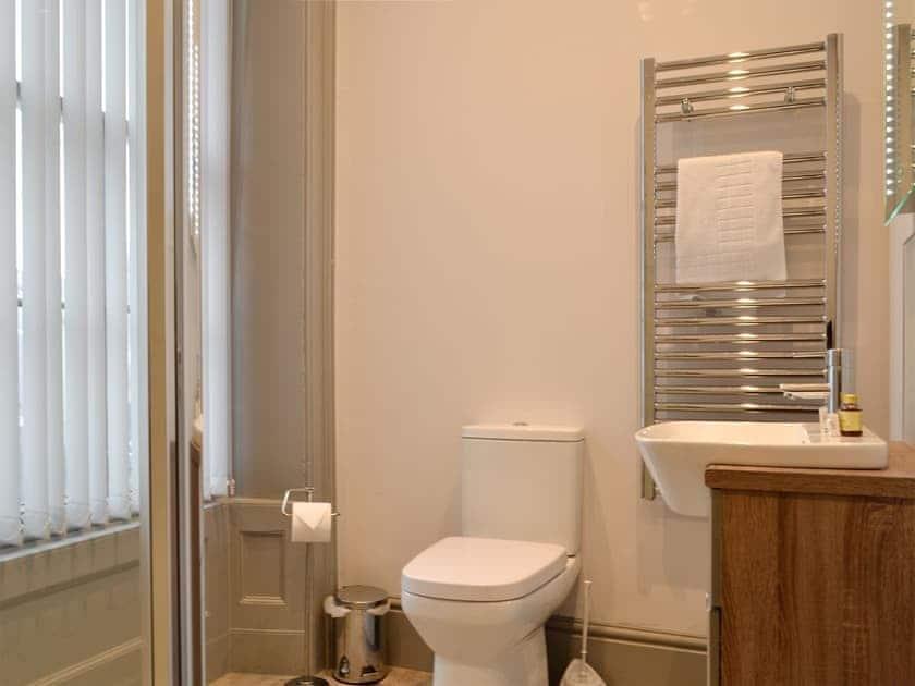 shower room | Grosvenor House 1 - Grosvenor House, Aberystwyth