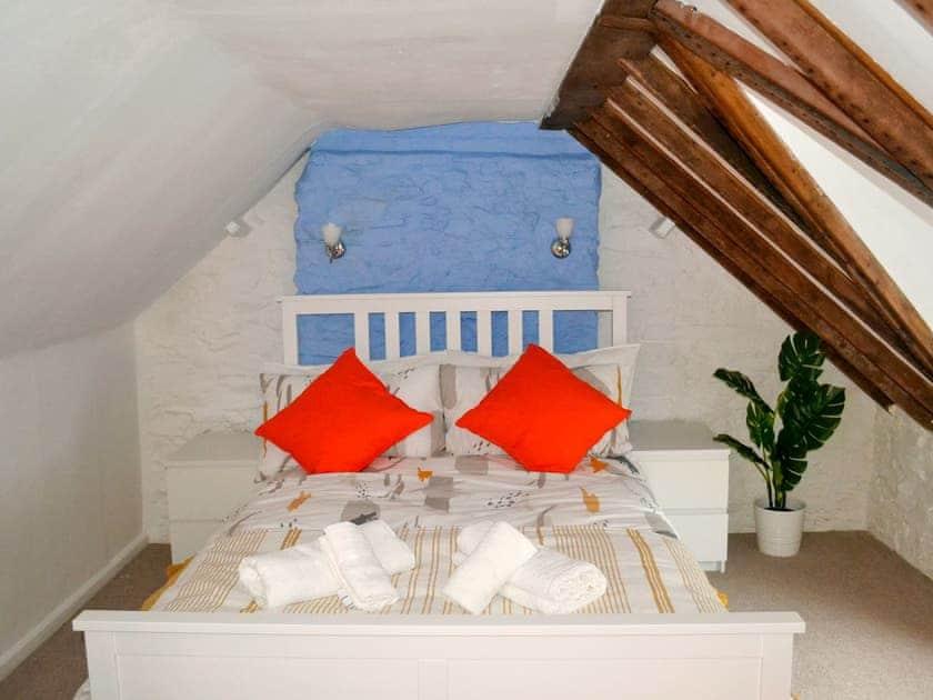 Double bedroom | Roseville Cottage, Dartmouh