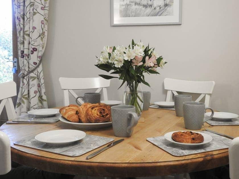Attractive dining area   Tarragon Cottage - Nethway Farm, Kingswear