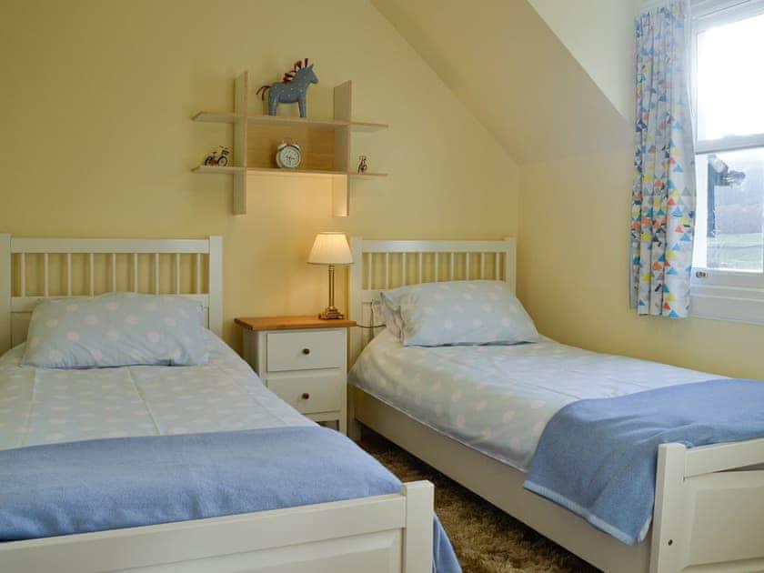 Twin bedroom   Thistledown - Cally Farm Cottages, Ballintuim, near Blairgowrie