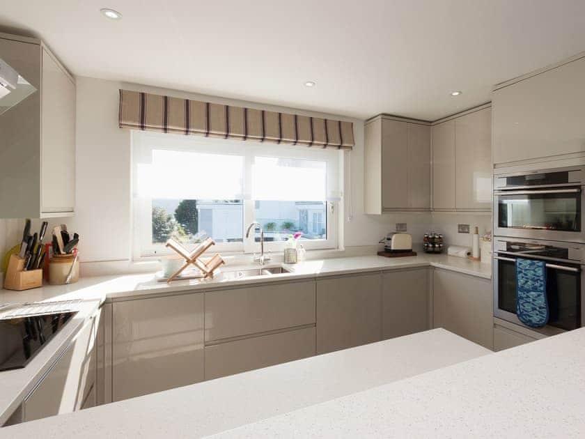 Delightful kitchen | 9 Poundstone Court, Salcombe
