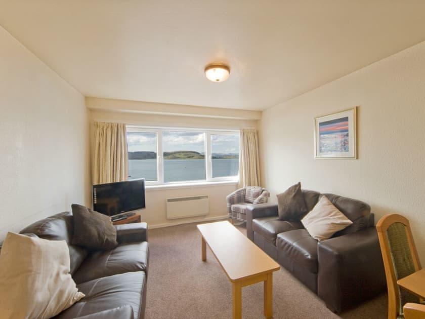 Esplanade Court Apartments - Islay 1