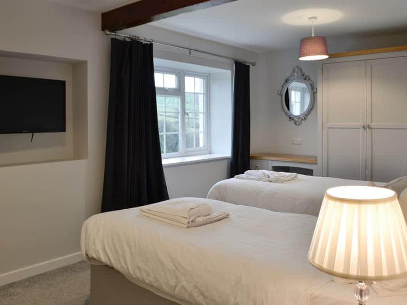 Twin bedroom | Pengarreg Fawr, Llanilar, near Aberystwyth
