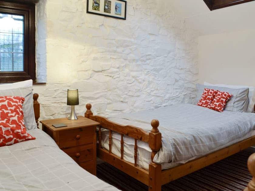 Comfortable twin bedroom   Tryal Cottage, Cilau Aeron, near Aberaeron