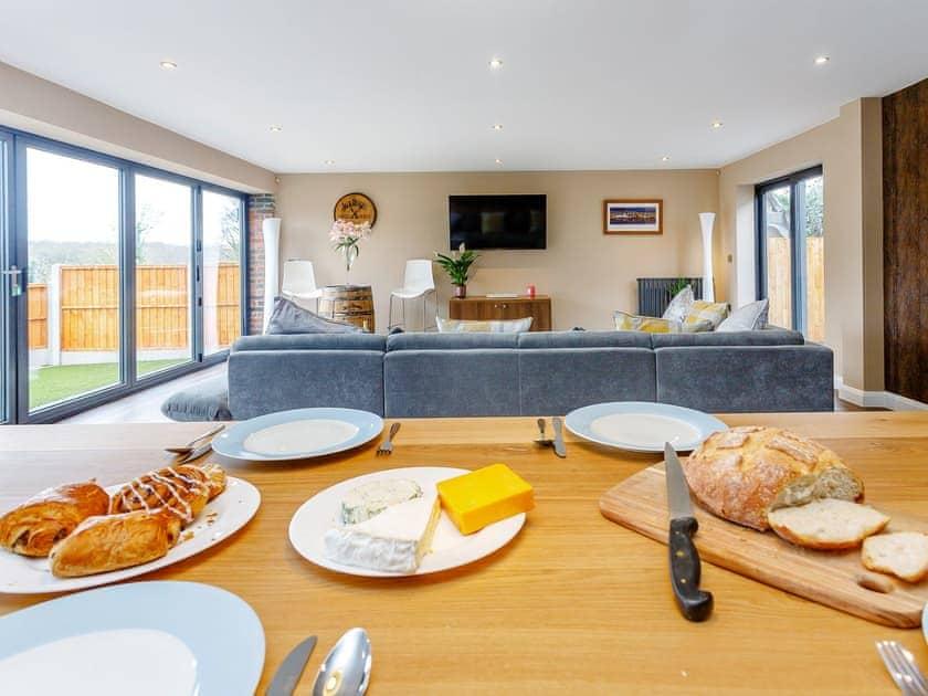 Tastefully modernised open plan living space | Paddocks View, Newbold Coleorton, near Ashby de la Zouch