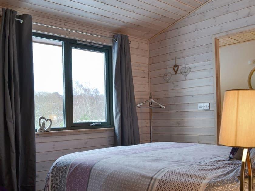 Peaceful en-suite double bedroom | Cruachan - Invernahavon, Glentruim, near Newtonmore