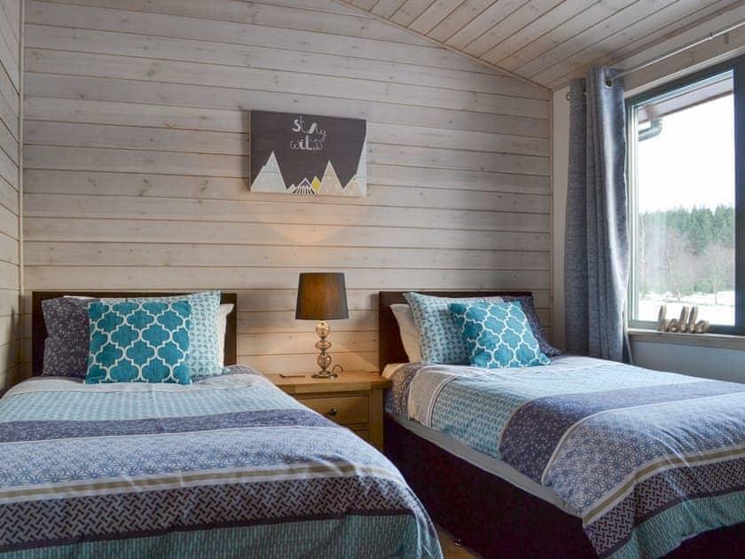 Good-sized twin bedroom | Cruachan - Invernahavon, Glentruim, near Newtonmore
