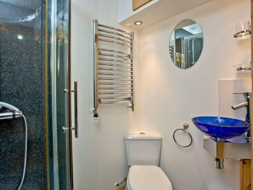 En-suite shower room   The Lodge at Crockwell Park, Kingskerswell