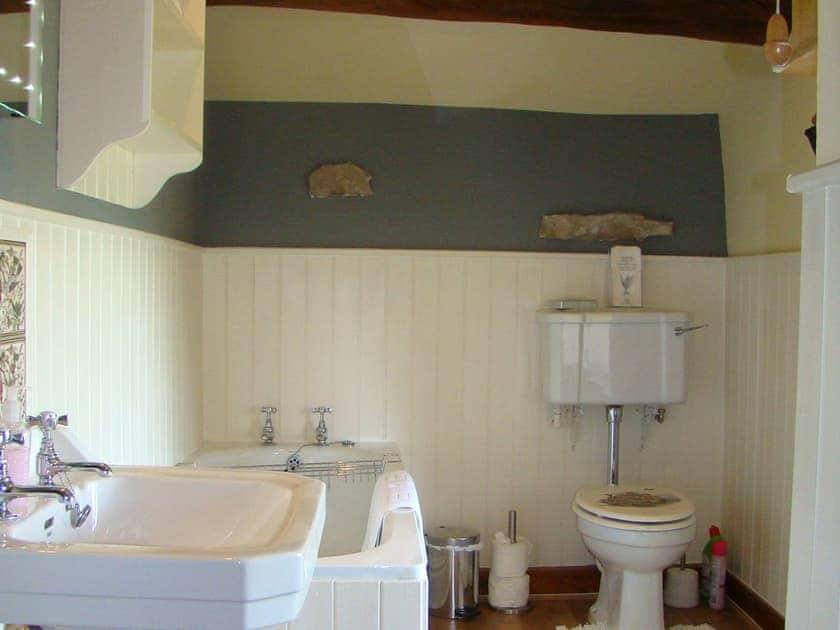 Family bathroom | Shepherd's Cottage, Longshaw near Hawes