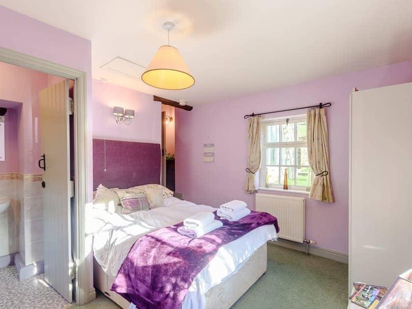 Comfortable double bedroom with en-suite | The Smithy - Laskill Grange, Bilsdale, near Helmsley