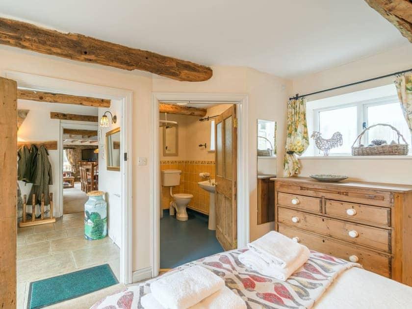 Double bedroom with en-suite   The Granary - Laskill Grange, Bilsdale, near Helmsley