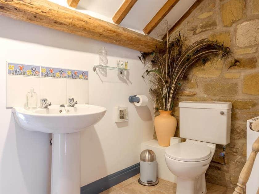 En-suite bathroom   The Granary - Laskill Grange, Bilsdale, near Helmsley