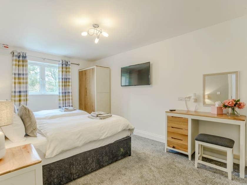 Twin bedroom | Meusydd - Gwbert Holiday Cottages, Gwbert, near Cardigan