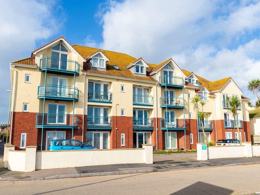Luxurious sea front apartment | 4 Belvedere Court - Belvedere Court, Paignton