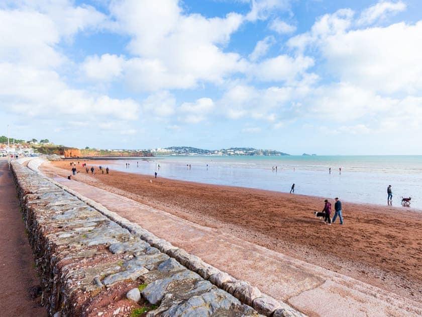 Fantastic position on Preston Sands beach | 4 Belvedere Court - Belvedere Court, Paignton