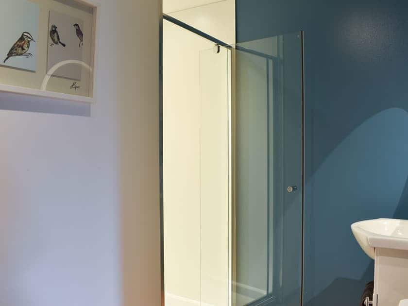 En-suite shower room | Cushendall House, Banavie, near Fort William