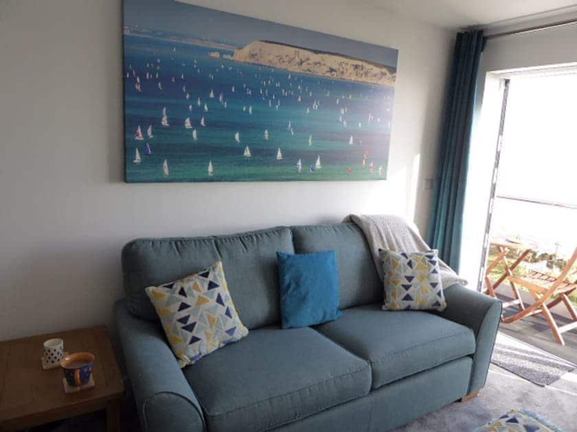 Living room | Bayview, Royal Cliff - Royal Cliff Apartments, Sandown