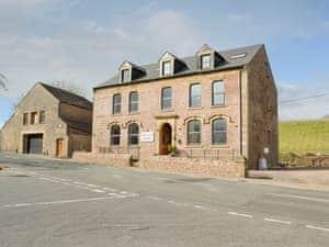 Croglin Castle Apartments - Lammerside