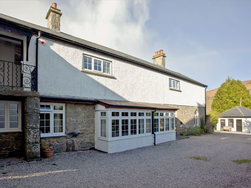 Wooder Manor - Chinkwell