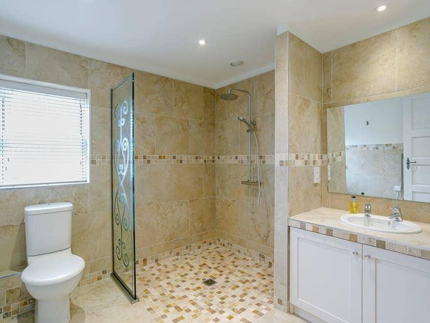 Shower room with walk-in shower  | Cunliffe Cottage, Hathersage