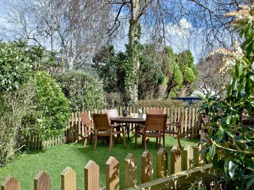 Peaceful garden | Papermaker's Cottage - Tuckenhay Mill, Bow Creek, between Dartmouth and Totnes