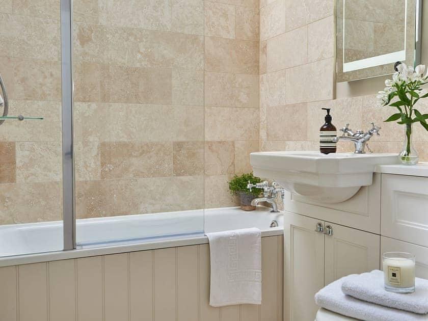 Bathroom | Hungate Cottages - Farndale - Hungate Cottages, Pickering