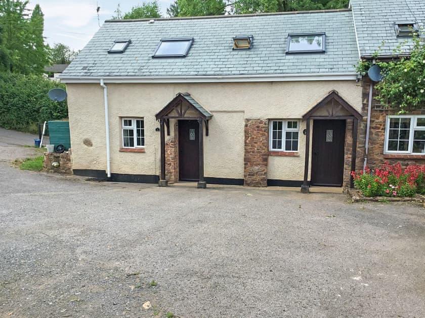 Ponsford Ponds - Carp Cottage