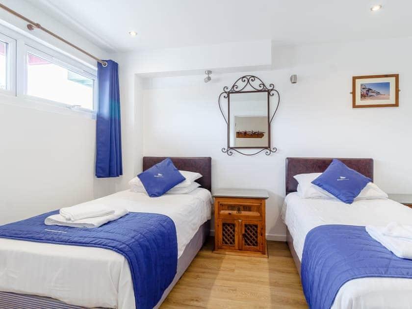 Twin bedroom | Jib Sail - The Sail Loft, Wroxham