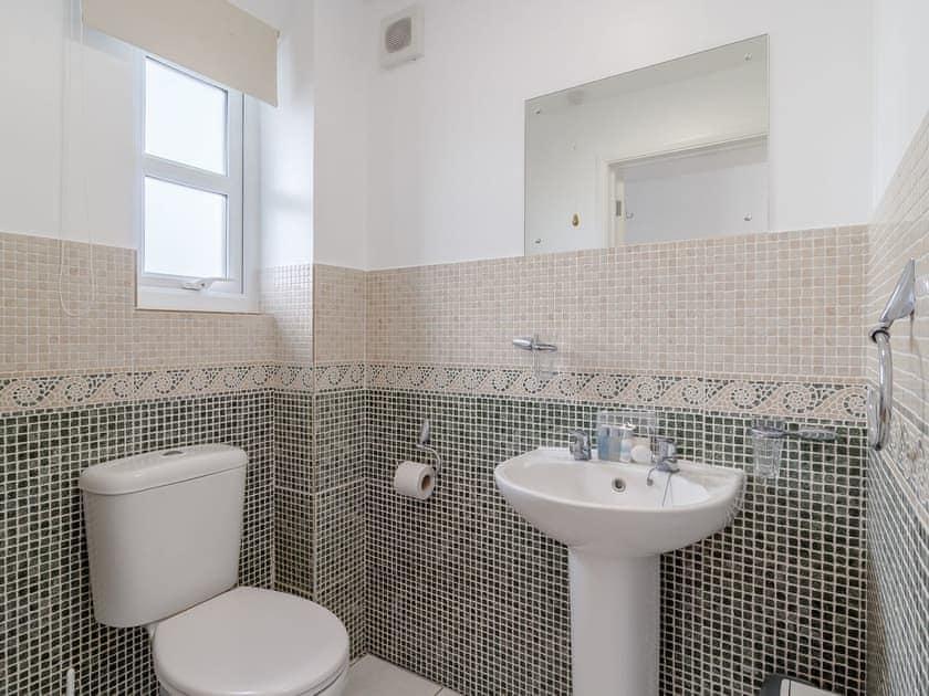 Shower room | Spinnaker - The Sail Loft, Wroxham