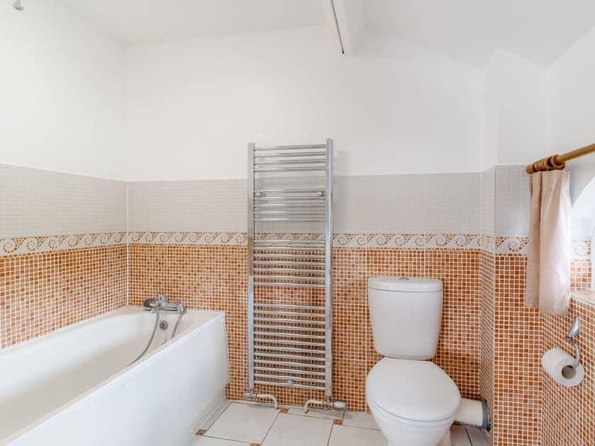 Bathroom | Spinnaker - The Sail Loft, Wroxham