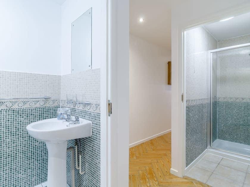 Shower room | Stay Sail - The Sail Loft, Wroxham