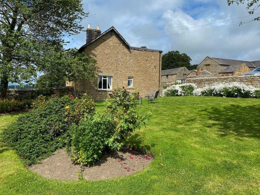 Heckley Farm Cottages - Paddock Cottage
