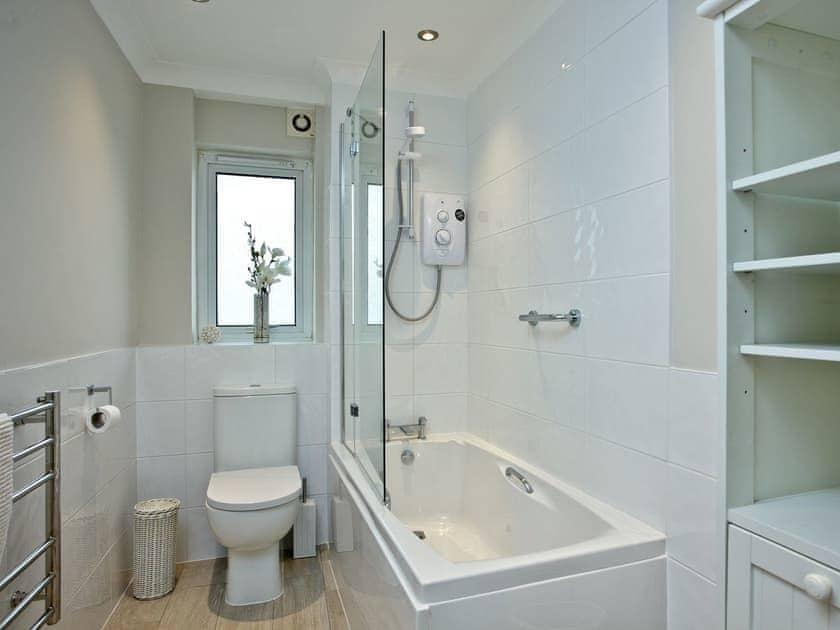 Bathroom | Mayflower Court 1a, Dartmouth