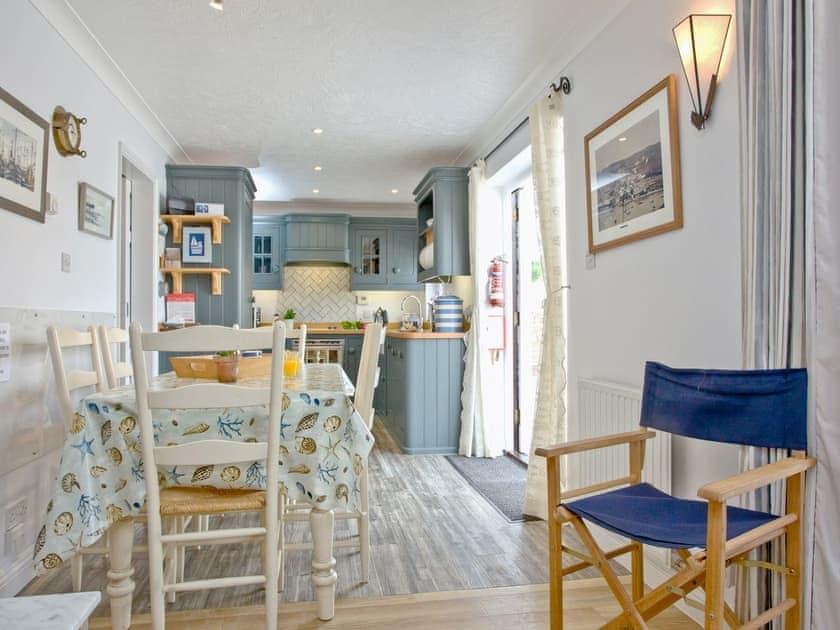 Kitchen/diner | Island Quay 9, Salcombe