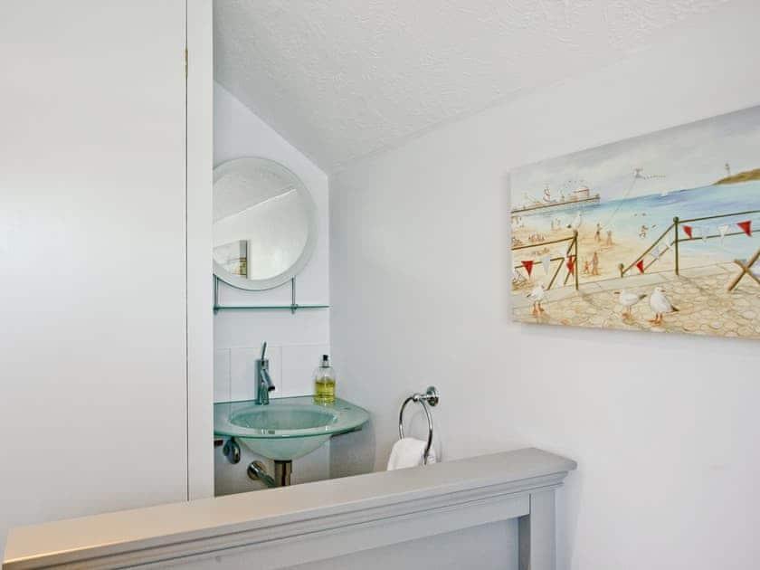Twin bedroom | Island Quay 9, Salcombe